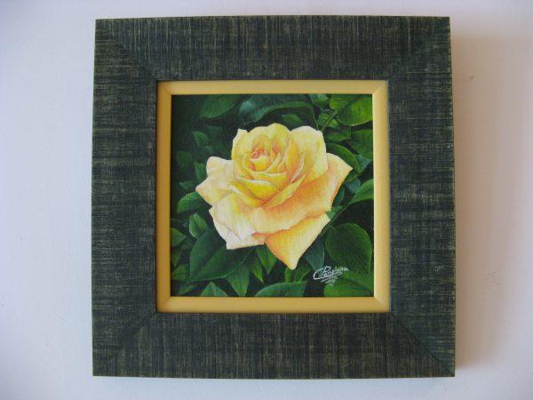 Cuadro realista en oleo sobre tablilla de una rosa amarilla