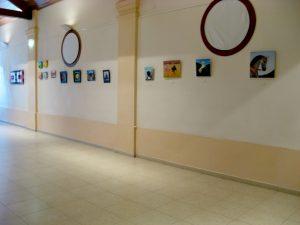 Exposicion zona de cuadros realistas
