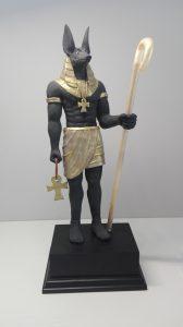 Escultura de Anubis mitologia egipcia