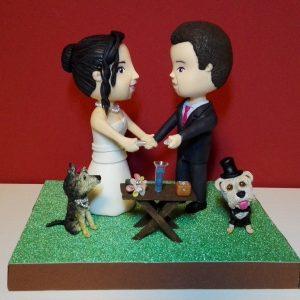 Figura personalizada de boda con perros
