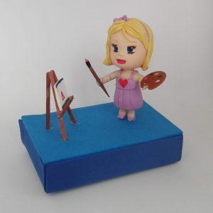 Figura personalizada para tarta de cumpleaños de niña artista que adora la pintura, dibujo y manualidades.